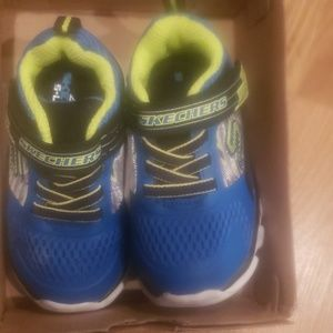 New Blue and lime Skechers Hypno Flash size 6